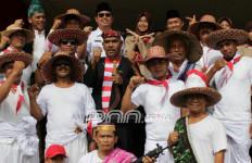 PNS, Pegawai BUMD, dan Swasta Wajib Pakai Baju Pahlawan - JPNN.com
