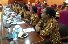 12 Ribu Honorer di Papua tak Kunjung Diangkat, Ada PHK Massal di PT Freeport - JPNN.com