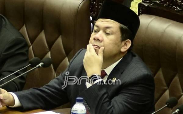 Fahri Hamzah: Urusan Mobil Saja Diributin - JPNN.com