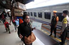Kereta Perawatan Jalan Rel Anjlok, Beberapa Jadwal KA Telat - JPNN.com