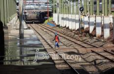 Ratusan Polisi Dikerahkan Untuk Amankan Perlintasan Stasiun Purwosari - JPNN.com