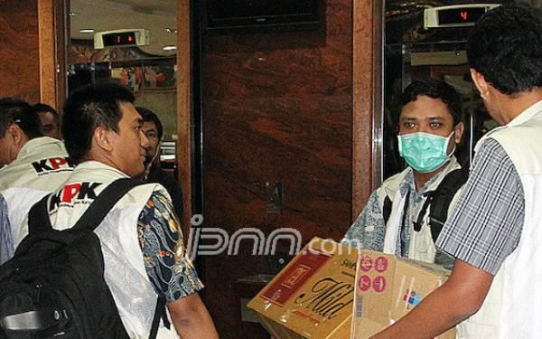 Kasus Bansos Membawa Penyidik KPK ke Rumah Orang Tua Petinggi DPR - JPNN.com