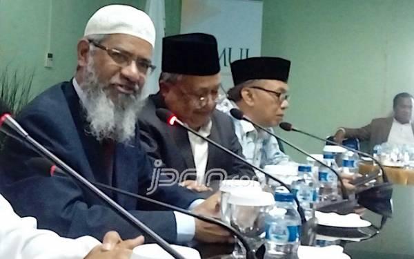 Usai Digarap Polisi, Zakir Naik Akhirnya Minta Maaf - JPNN.com