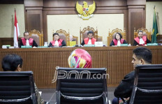 Auditor Akui Terima Uang dari Ketua Panitia Lelang Proyek e-KTP - JPNN.com