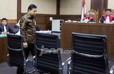 Lah, Setnov Bisa Tinggalkan Ruang Sidang Lewat Pintu Hakim - JPNN.com