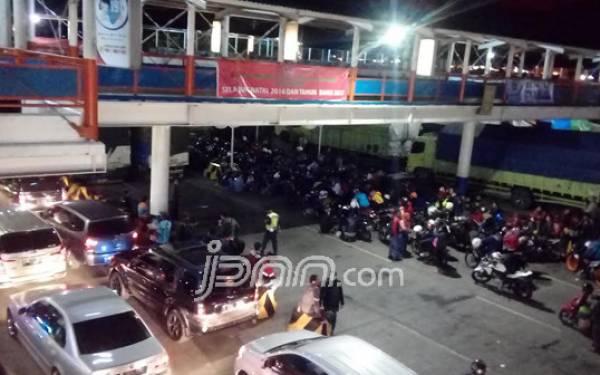 Puncak Arus Mudik di Pelabuhan Merak Diprediksi H-4 - JPNN.com