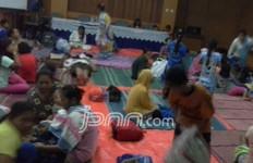 Kunjungi Korban Banjir, Presiden PKS Klaim Terima Banyak Aspirasi - JPNN.com