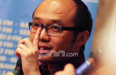 Sindiran Keras Yunarto Wijaya Buat Pembakar Spanduk Habib Rizieq Shihab - JPNN.com