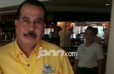 Azis Samual Desak Golkar Beri Sanksi Tegas kepada Yorrys Raweyai - JPNN.com