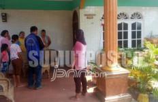 Rumah Kasek Digerebek Polisi, Eh... Ternyata Salah Sasaran, Ampun Deh... - JPNN.com
