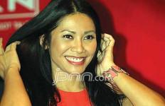 Kereeen, Anggun C Sasmi Sumbang Tiket Konser untuk Bangun Sekolah - JPNN.com