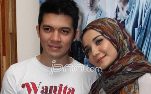 Curhat Zaskia Sungkar Setelah Irwansyah Dilaporkan ke Polisi - JPNN.com