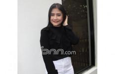 Prilly Latuconsina Belum Siap Berhijab - JPNN.com