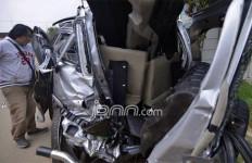 Nahas, Kereta Api Tabrak Mobil, 2 Pelajar Tewas, 7 Terluka - JPNN.com