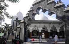 Keunikan Masjid Rahmat yang Dibangun Sunan Ampel dari Arsitektur hingga Kaligrafinya - JPNN.com
