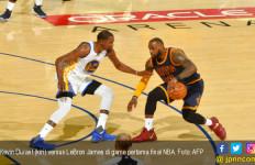 Durant Gila! Warriors Pukul Cavaliers di Game Pertama Final NBA - JPNN.com