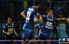 Kontrak Tinggal Dua Bulan Lagi di Arema FC, Dedik Setiawan Diincar Klub Asal Malaysia - JPNN.com