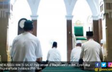 Tarawih di Masjid yang Didirikan Sunan Ampel, Setiap Malam Khatam 1 Juz - JPNN.com