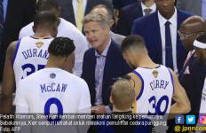 Warriors Menang Mudah Atas Cavaliers di Game Kedua Final NBA - JPNN.com