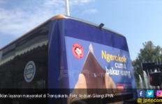 Transjakarta Buat Iklan 'Ngerokok Cuma Bakar Uang' - JPNN.com