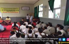 Senator Mervin Ingin Generasi Muda Berkarakter Pejuang - JPNN.com