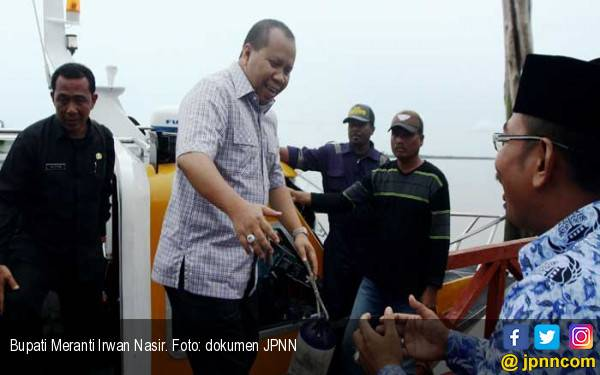 Bupati Kepulauan Meranti Mangkir dari Panggilan KPK - JPNN.com