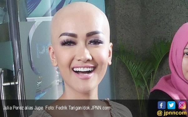 Jupe Rela Rogoh Kocek Buka Kamar untuk Penggemarnya - JPNN.com