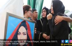 Bagi-bagi Nasi Bungkus, Adik Alm Jupe: Bukan Bermaksud Riya - JPNN.com