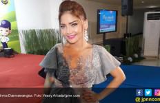 Sahabat Penasaran Soal Isu Pernikahan Opick - Yulia Mochamad - JPNN.com