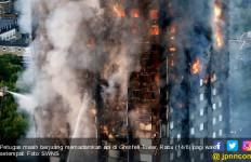 Apartemen 24 Lantai di London Terbakar, Orang Terjebak Nekat Melompat - JPNN.com