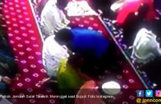Heboh Jemaah Salat Tarawih Meninggal saat Sujud - JPNN.com