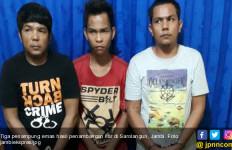 Tiga Penampung Emas PETI Diciduk, Satu Pelakunya Pakai Kaus Turn Back Crime - JPNN.com