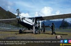 Susi Air Mendarat Darurat, Lambung dan Ban Pesawat Kena Tembak - JPNN.com