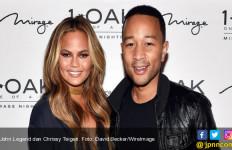 Waah! John Legend Dapat Kejutan Hari Ayah Super Seksi dari Istri - JPNN.com