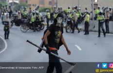Tak Ada Air untuk Siram Toilet, Venezuela Kembali Diguncang People Power - JPNN.com