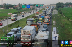 Bus Mudik Gratis Kimia Farma Mengalami Kecelakaan - JPNN.com