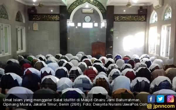 Masih Ada Umat Islam Salat Id Hari Ini, MUI: Biarkan Saja - JPNN.com