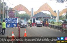 Pengunjung TMII Membeludak, Jalan Saja Susah - JPNN.com