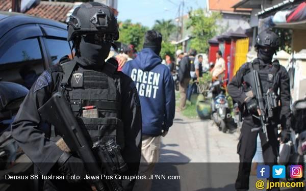 Rencanakan Beraksi saat 17 Agustus, Terduga Teroris Ditangkap Densus 88 - JPNN.com
