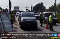 Arus Balik: Begini Kondisi Pantura Kendal Masuk Tol Gringsing - JPNN.com