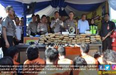 Polisi Berhasil Gagalkan Penyelundupan 110 Kilogram Ganja di Bakauheni - JPNN.com