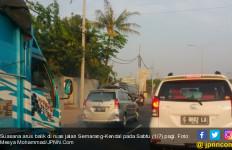 Lalin Semarang-Kendal Sudah Dipadati Kendaraan Arah Jakarta - JPNN.com