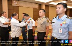 Personel Kapal Siap untuk Operasi Keamanan Laut - JPNN.com