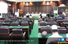 Ruangan Kosong, 21 Anggota Dewan Benar-Benar Kecewakan Bupati - JPNN.com