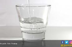 Hindari Minuman Bersoda, Lebih Sehat Minum Air Putih - JPNN.com