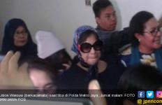 Istri Jenderal Penampar Petugas Bandara Terlihat Lemas - JPNN.com