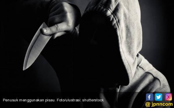 Duel Maut Tengah Malam, Riko Kena Tusuk, Jleb! - JPNN.com