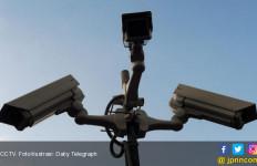 Pencuri Dompet tak Sadar Wajah Terekam Jelas di CCTV - JPNN.com