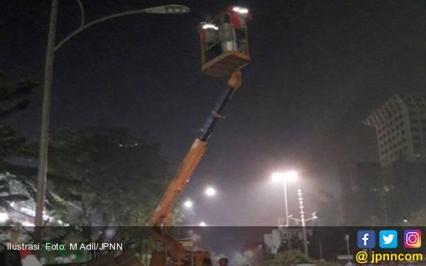 DKI Pasang 94 Ribu Lampu PJU LED Tahun Ini - JPNN.com