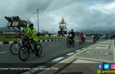 Suasana Mistis dengan Warna Kebhinekaan Hiasi Prosesi GPN Kayong Utara - JPNN.com